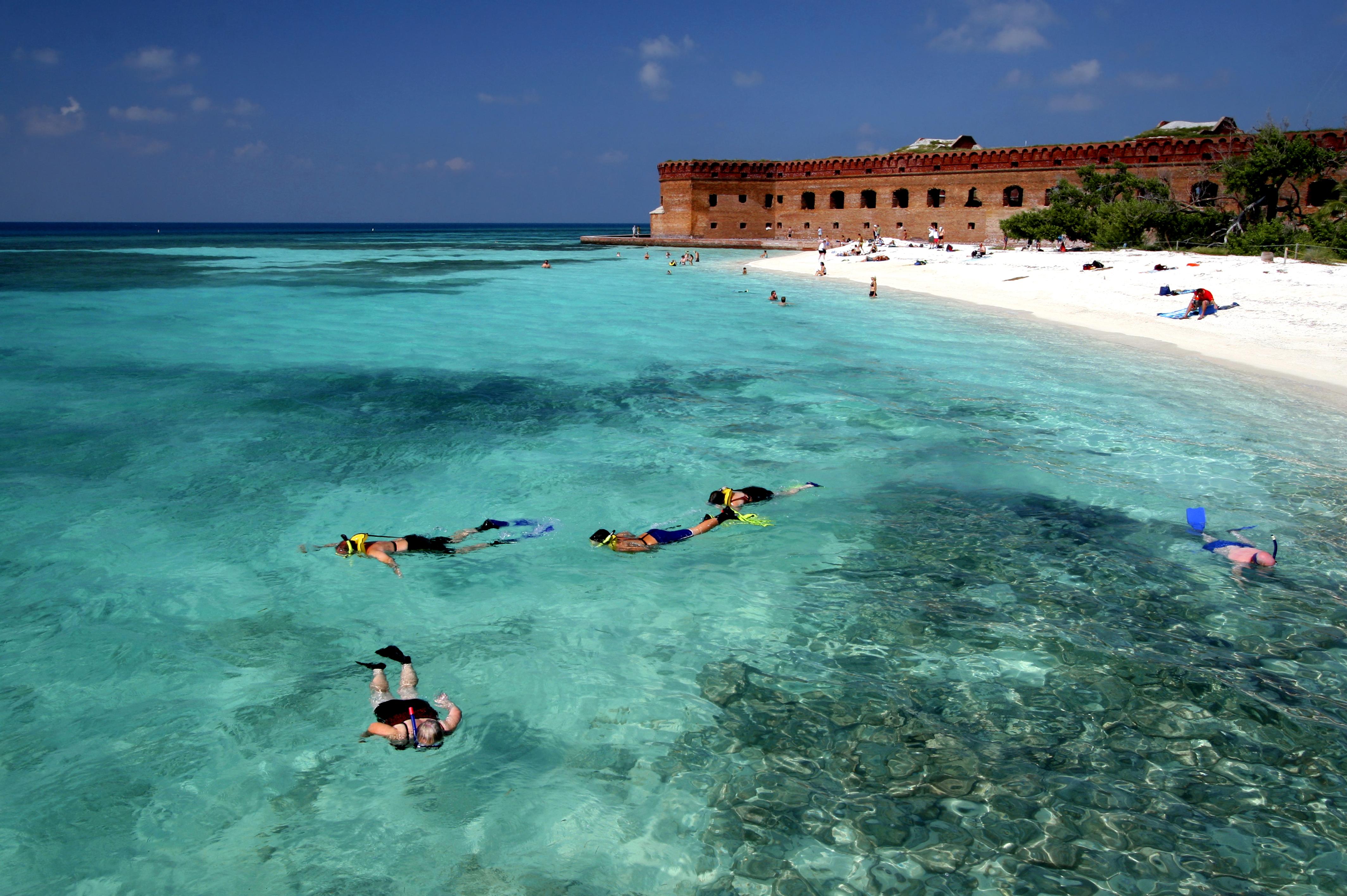 florida keys key west fort jefferson dry tortugas blue green water